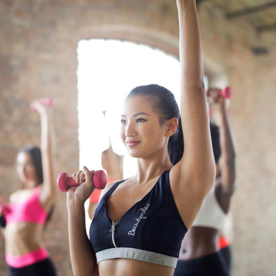 モデルとして活躍するために欠かせない!体幹の重要さと鍛え方