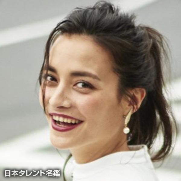 加賀美 レイナ