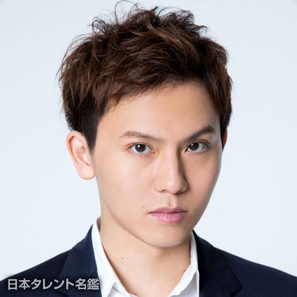岡田 亮輔