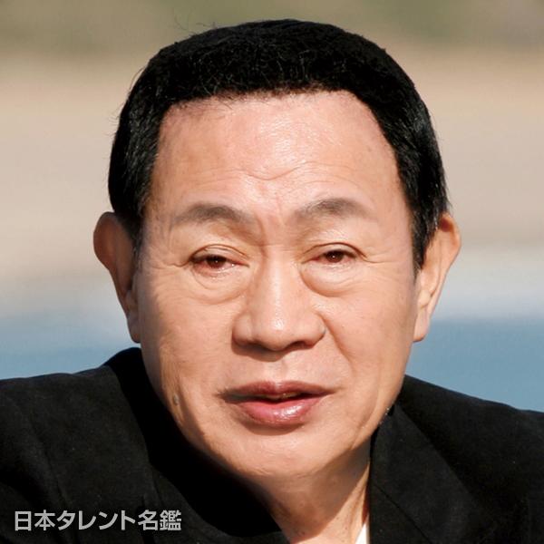 新川 二朗