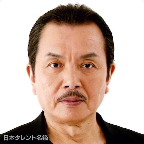 手塚 秀彰