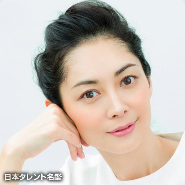 【話題】伊東美咲さん なんと12年ぶりテレビ番組出演、占い師が「すごい手相」と驚く!!!!!!!