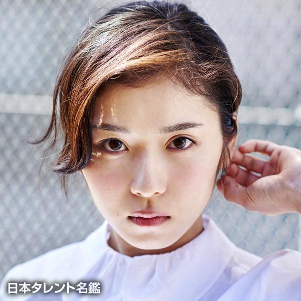 松岡 茉優